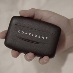 Confident Demi Lovato Box